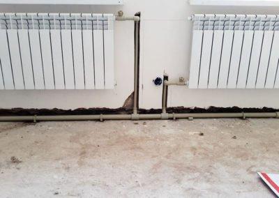 Штробление и монтаж радиатора
